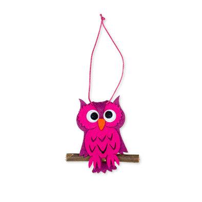Vilt hanger uil roze 5,5 x 7,5 cm per stuk