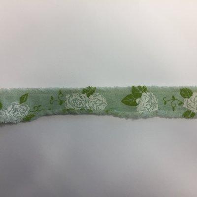 Lint mint met witte rozen print 1,8 cm breed 1 meter lang per zakje