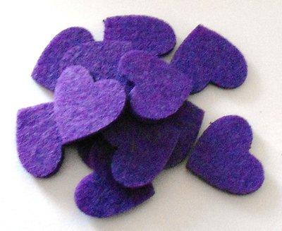 Vilt hartjes paars 12 stuks per doosje
