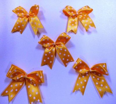 Strikje warm geel met witte stippen 4 x 4,5 cm 5 stuks