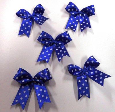 Strikje kobalt blauw met witte stippen 4 x 4,5 cm per stuk