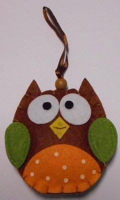 Vilt uil bruin hanger 9 cm per stuk