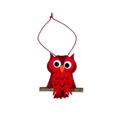 Vilt hanger uil rood 5,5 x 7,5 cm per stuk