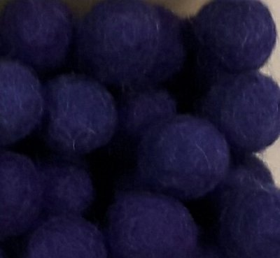 Vilt balletjes paars 10 mm doorsnee 10 stuks per zakje