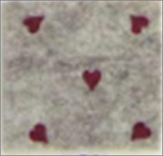 Vilt lapje gemeleerd bruin met hartjes print rood 30 x 40 cm per lapje
