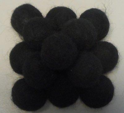 Vilt balletjes zwart 20 mm doorsnee 10 stuks per zakje