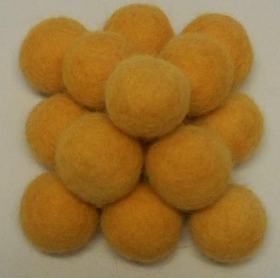 Vilt balletjes oker geel ca.20 mm doorsnee 10 stuks per zakje