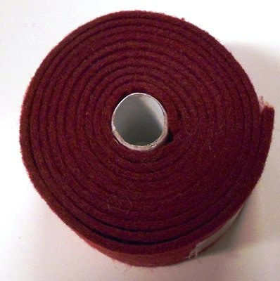Vilt band op rol 2 cm breed 1,5 meter lang bordeaux