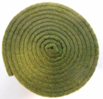Vilt band op rol 2 cm breed 1,5 meter lang groen gemeleerd