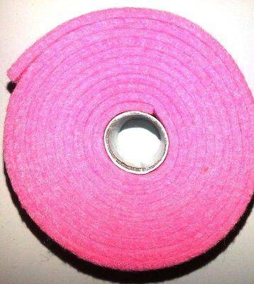 Vilt band op rol 2 cm breed 1,5 meter lang licht roze