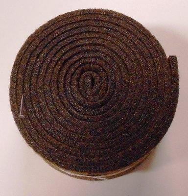 Vilt band op rol 2 cm breed 1,5 meter lang bruin gemeleerd