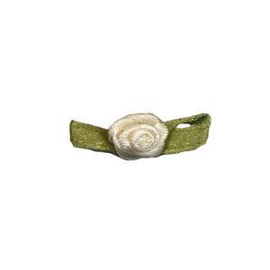 Satijnen roosje ivoor 10 mm met blad 10 stuks per zakje