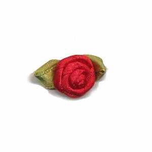 Satijnen roosjes rood 15 mm met blad 10 stuks per zakje
