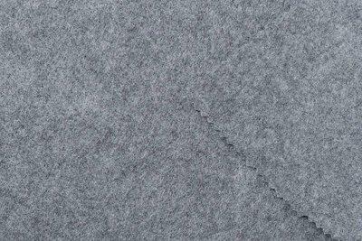 Vilt grijs gemeleerd 180 cm breed per meter