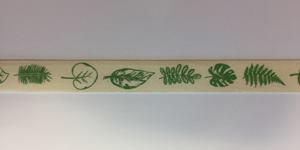 Band zelfklevend met blaadjes print groen 10 mm breed ca. 1 meter per zakje