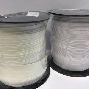 Biaisband 100 meter op rol, verkrijgbaar in 2 kleuren